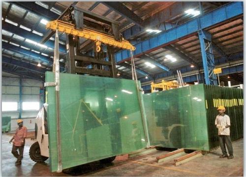ガラス産業での添付ファイルの使用