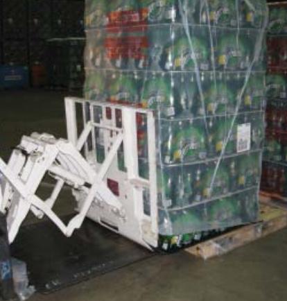 飲料産業におけるフォークリフトプルプッシュアタッチメントの使用